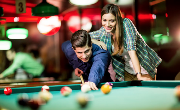15 Indoor Hobbies for Couples on Vacation